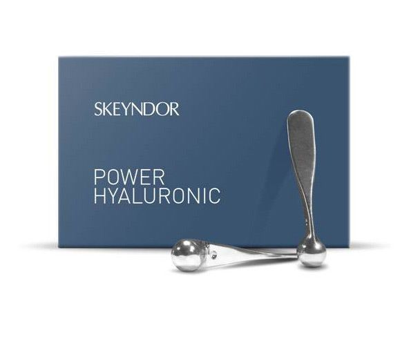 Beauty therapists use Q-Line Zamak Spatula with Skeyndor's lifting treatments